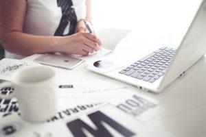 Jak prowadzić profesjonalny profil firmowy na Facebooku